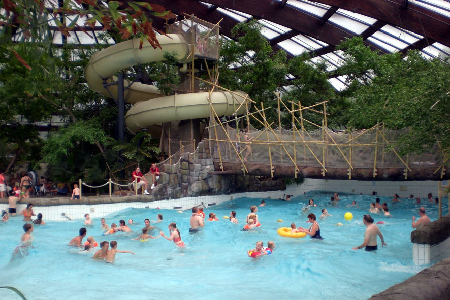 Zwembad Huttenheugte